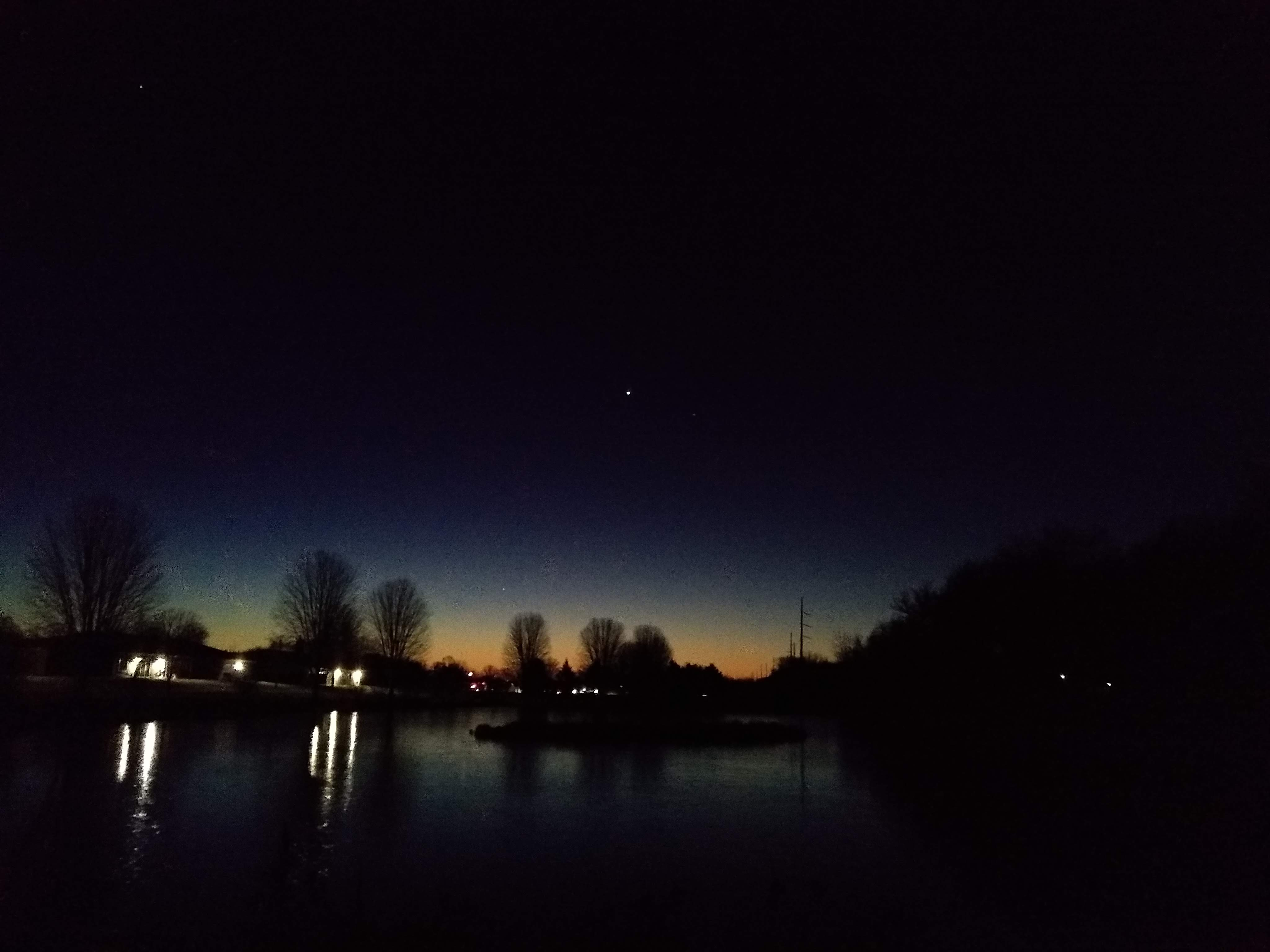 Mercury low on morning horizon 11/17 6:08 AM