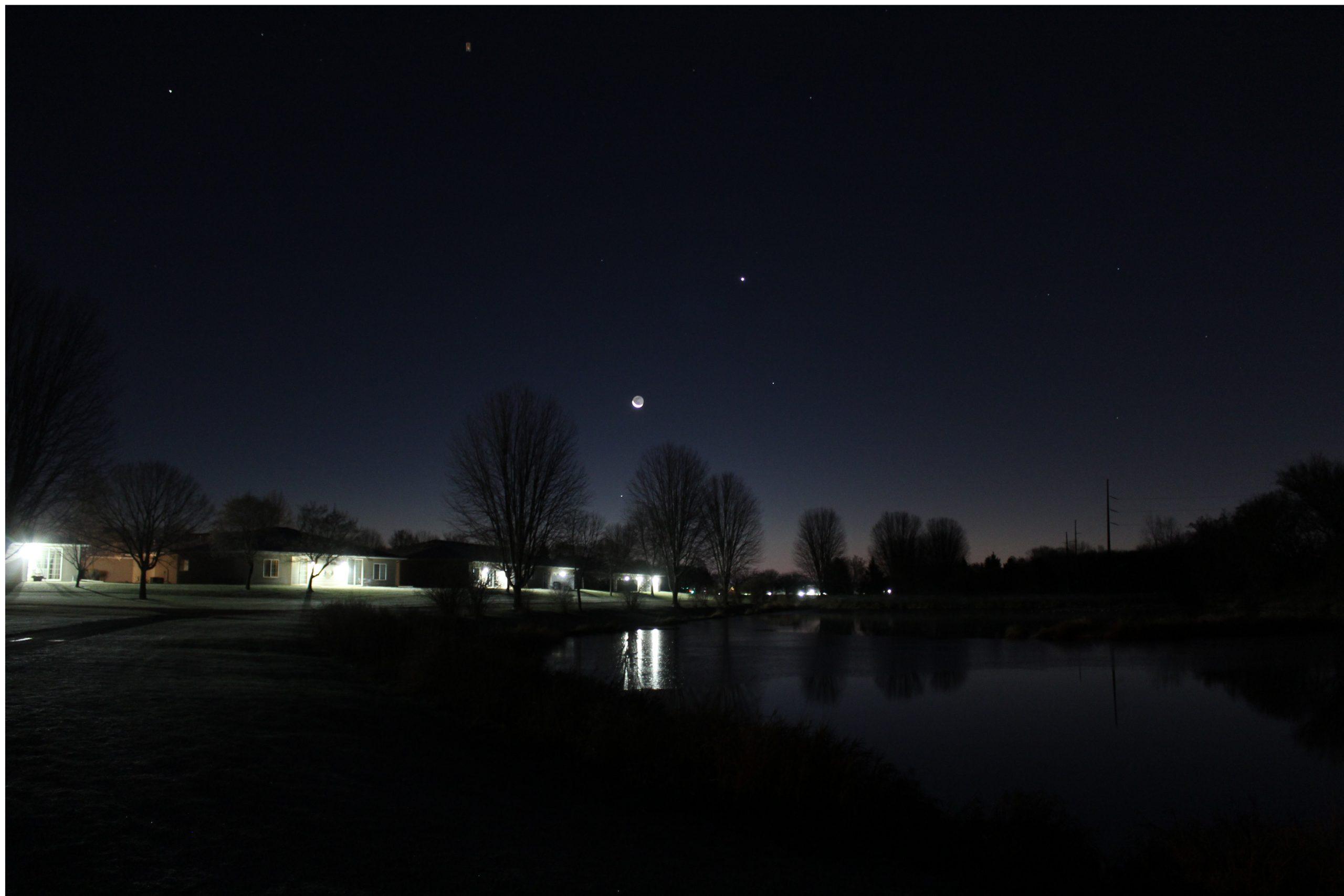 Morning Mercury under Moon